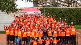Los grupos de entrenamiento del 10K Valencia Ibercaja guían a más de 300 corredores hacia sus objetivos