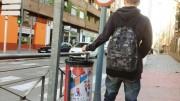 Alumnos valencianos diseñan una campaña de concienciación para promover el uso de papeleras y contenedores en Navidad
