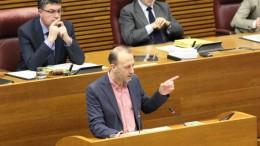 """Marí a Puig: """"¿Cómo va a resolver la contradicción de que su partido defienda que haya autonomías con privilegios?"""""""