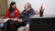 Cruz Roja contacta con 700 personas mayores para advertirles de la bajada de temperaturas en Valencia