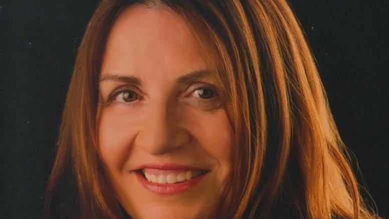 El CFPA de Almussafes acoge un encuentro literario con la autora local Mari Carmen Sáez