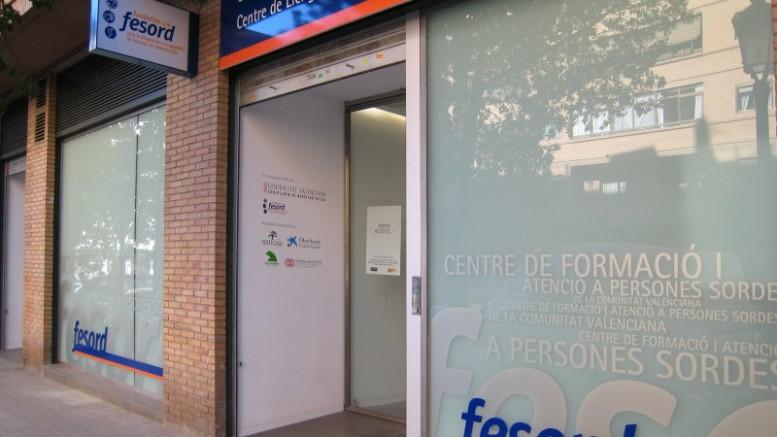 El Consell aprueba un convenio entre el Servef y Fesord para garantizar el acceso de las personas con discapacidad auditiva a las acciones de formació