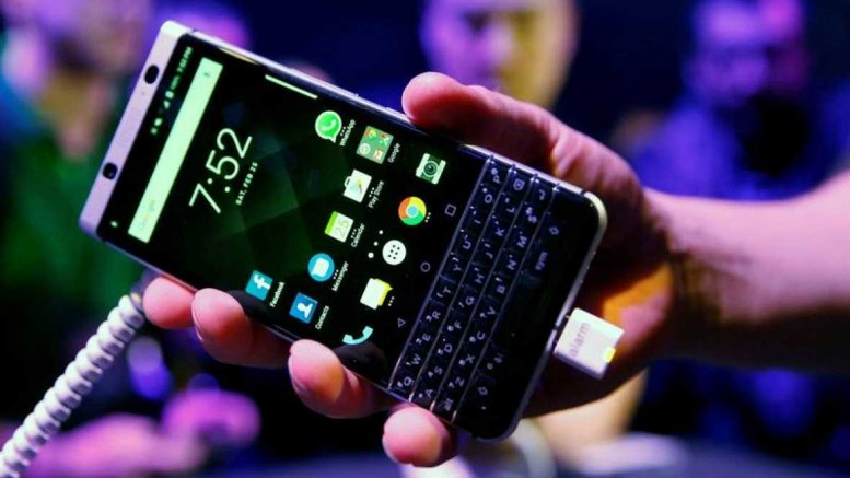 Mobile World Congress 2017 BlackBerry intenta renacer de sus cenizas con KEYone