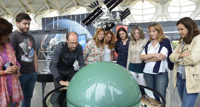 Más de 800 personas participan en la propuesta 'Pasaporte al Espacio' del Museu de les Cièncias