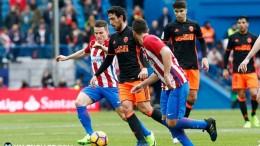El Valencia CF cae goleado en el Vicente Calderón ante el Atlético (3-0)