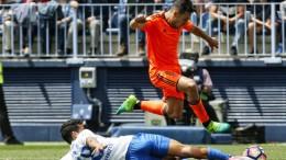 El Valencia CF pierde en cuatro minutos de acierto del Málaga (2-0)