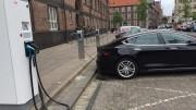 El PSPV pide fomentar la implantación de puntos de recarga para impulsar la utilización del vehículo eléctrico