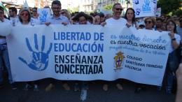 Por la libertad en la enseñanza»: más de 40.000 personas salen a la calle para proteger la concertada