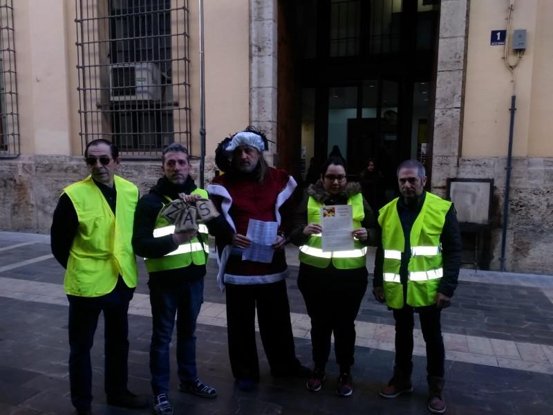 """Acto entrega carbón a Joan Ribó y carta a las """"Magues de Gener"""""""