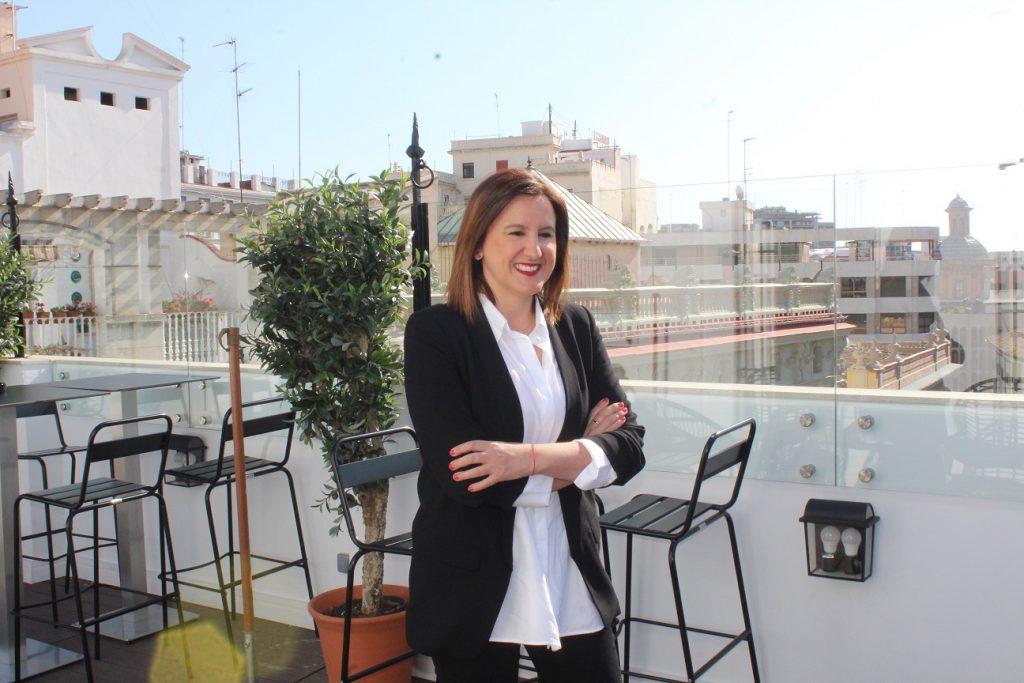 María José Catalá, se defiende en los sondeos