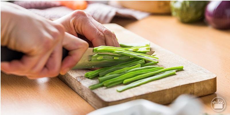 Cortar las verduras en Juliana