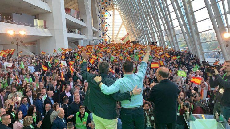 """Santiago Abascal """"Para ofrendar nuevas glorias a España la #EspañaViva llenará las urnas de papeletas rojigualdas"""""""