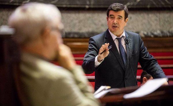 """Giner: """"Que Fuset se siente en el banquillo le ha costado a los valencianos perder un carril de circulación en calle Colón"""""""