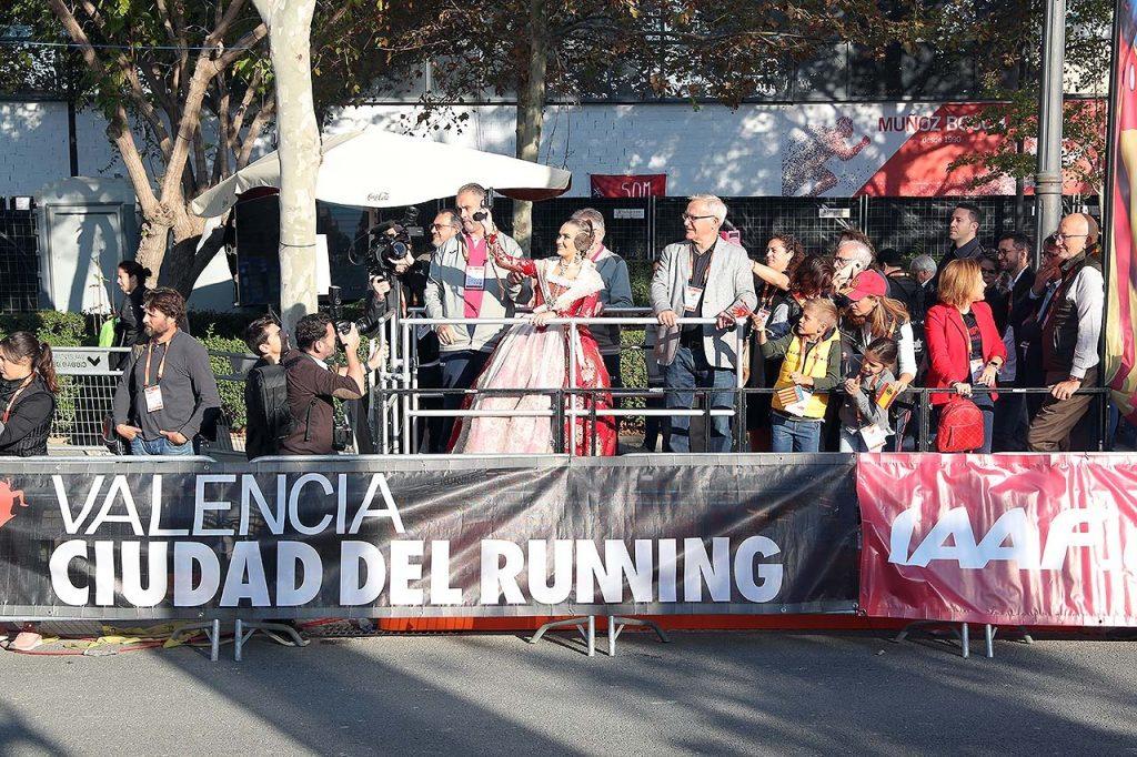 La Fallera Mayor Valencia da la salida a la tercera serie.
