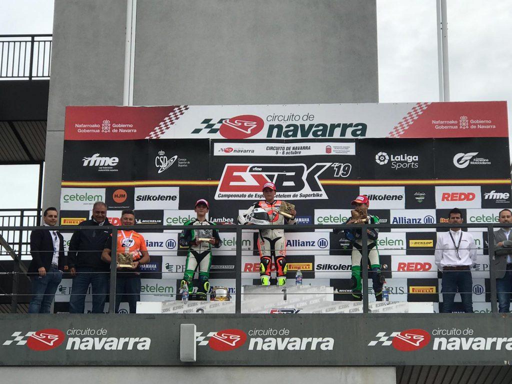 Hugo Millán vence en Navarra y el título de PreMoto3 se decidirá en Jerez