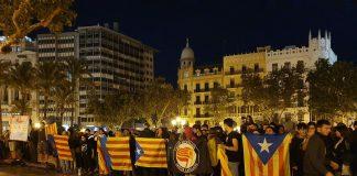 El independentismo catalán se manifiesta ilegalmente en Valencia