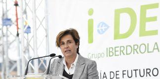 Angeles Santamaría consejera delegada de Iberdrola España durante la visita a la planta I-DE