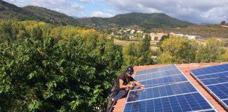 Iberdrola se adelanta: compensa a 200 clientes sus excedentes de autoconsumo solar en diciembre