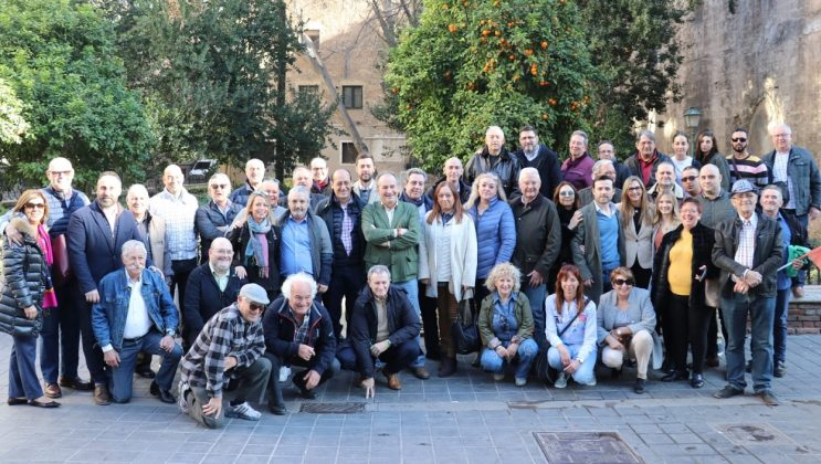 Vicente Montañez concejal de VOX del Ayuntamiento de Valencia en apoyo a los agricultores valencianos
