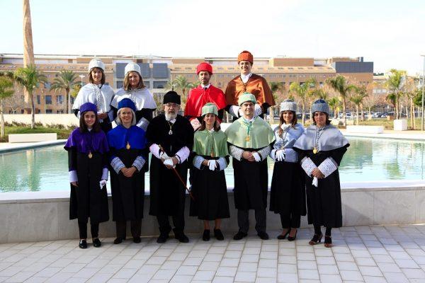 El Rector de la Ceu UCH con nuevos doctores