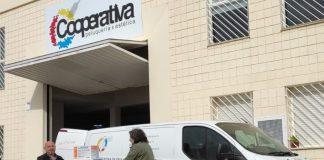 La Cooperativa Peluqueria & Estética de la CV, ha enviado para el ayuntamiento de Paterna, un palet con cajas de guantes de vinilo
