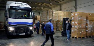 La Generalitat inicia el reparto del material sanitario de protección procedente de China