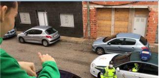 La Guardia Civil visita a un joven con la enfermedad de Wilson en la localidad de Rafelcofer