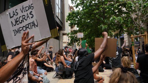 El movimiento Black Lives Matter llena las calles de Valencia