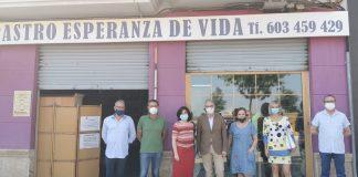 El senador de la provincia de Valencia por el Partido Popular, Fernando de Rosa, visita el municipio de Picassent junto con la portavoz y los concejales del partido en la localidad.