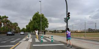 Grezzi peatonaliza el carril EMT de Hermanos Machado y prepara la bajada del carril bici a la calzada
