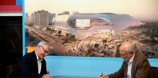 Juan Roig y Joan Ribó se reunen y firman el contrato de la concesión del suelo donde se construira el Arena