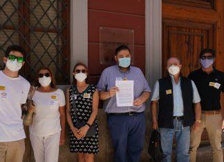 Vecinos de Penyaroja solicitan amparo al Consell Valencià de Cultura para que paralice la finca de 13 alturas junto a la nave de la Cross