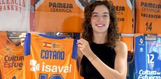 Rebeca Cotano ya tiene su camiseta en el Museo de L'Alqueria del Basket