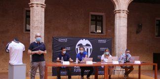 La Asociación de futbolistas del valencia CF presenta la nueva escuela de fútblo municipal de Alaquás