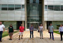 Alfredo Costa ( director d'A Punt) y Enrique Soriano (CVMC) se reúnen con ACPV y Escola Valenciana y afirman trabajan en el intercambio entre series de A Punt y TV3
