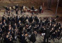 """El Puig celebra su noche de """"Cultura al carrer"""" con la proyección del vídeo de la Diputacio dedicado a su unión musical"""