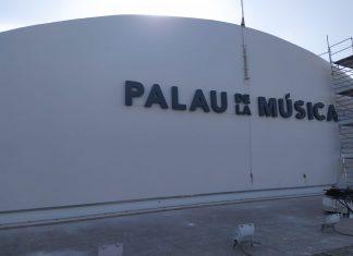 Acaba la retirada del trencadís del Palau de la Música mientras espera la reforma integral del edificio