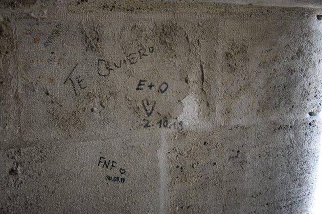 Las Torres de Serranos con escasa vigilancia, y en deplorable estado de conservación