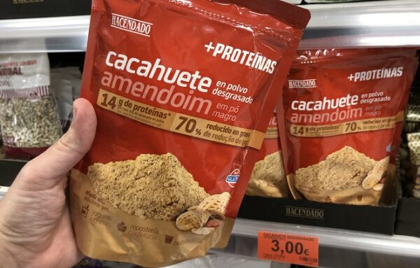 Paquete de Cacahuete en polvo desgrasado, en el lineal de Mercadona