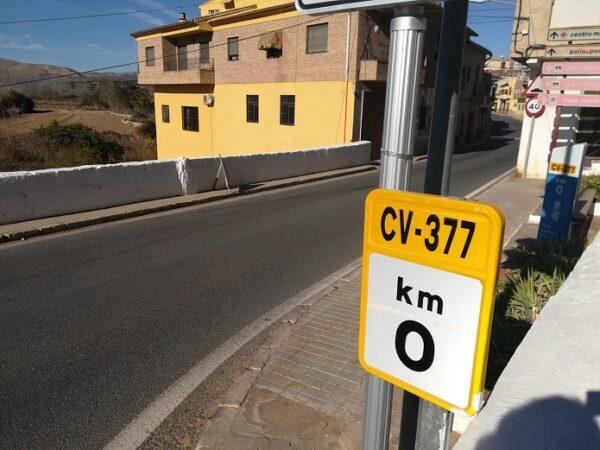 CV-377 a su paso por Pedralba